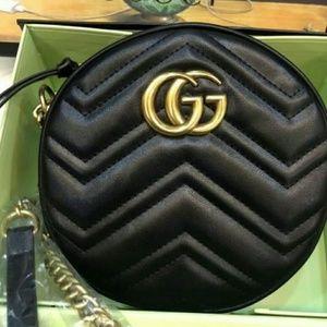 Gucci Round Mini Cross body Bag Leather🏁🏁
